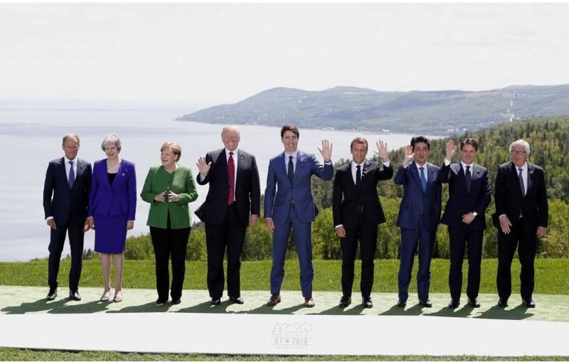 Các lãnh đạo G7 tại hội nghị ở TP La Malbaie, Quebec (Canada) ngày 8-6. Ảnh: REUTERS