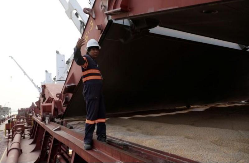 Tàu chở bắp từ Mỹ nhập khẩu vào cảng Portimex ở TP Tuxpan, bang Veracruz (Mexico), ngày 21-2. Ảnh: REUTERS