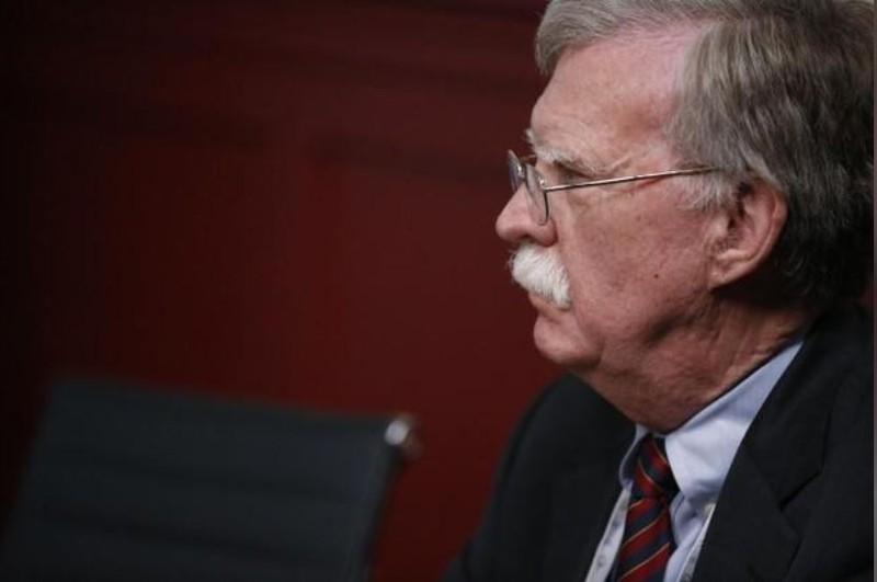 Cố vấn an ninh quốc gia Mỹ John Bolton sang Mỹ bàn thượng đỉnh đầu tiên giữa Tổng thống Mỹ Donald Trump và Tổng thống Nga Vladimir Putin. Ảnh: REUTERS