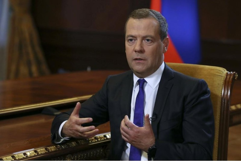 Thủ tướng Nga Dmitry Medvedev trong cuộc trả lời phỏng vấn báo Kommersant tại Moscow (Nga) ngày 7-8. Ảnh: REUTERS
