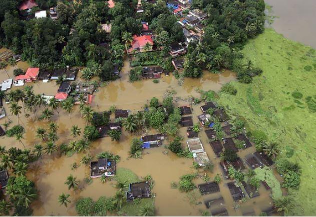Bang Kerala và Ấn Độ đang hứng chịu trận lụt nặng nhất trong 100 năm qua. Ảnh: GUARDIAN