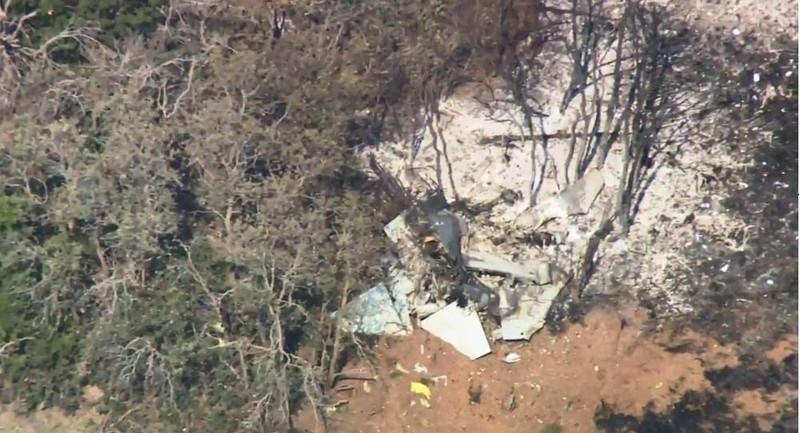 Hiện trường chiếc máy bay quân sự T-38 Talon rơi ở bang Oklahoma (Mỹ) chiều 17-8, phi công may mắn kịp nhảy dù thoát. Ảnh: KWTV News