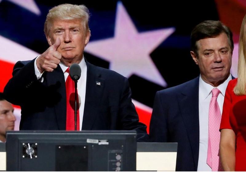 Ông Manafort (phải) và ông Trump thời còn làm việc chung. Ảnh: REUTERS