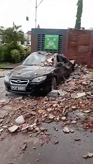 Hình ảnh thiệt hại từ Trinidad & Tobago sau động đất ở Venezuela. Ảnh: TWITTER