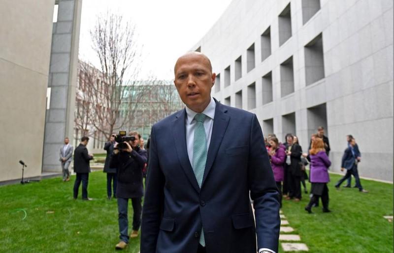 Cựu Bộ trưởng Nội vụ Úc Peter Dutton đang thách thức quyền lực Thủ tướng Úc Malcolm. Ảnh: REUTERS