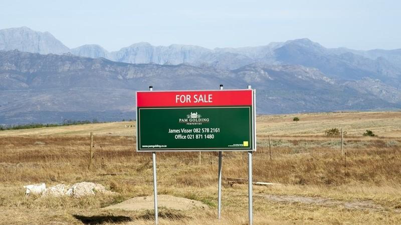 Đất rao bán ở tây Nam Phi. Ảnh: GETTY IMAGES