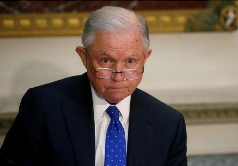 Bộ trưởng Tư pháp Mỹ Jeff Sessions trong một cuộc họp Ủy ban Liên bang về An toàn trường học tại Nhà Trắng ngày 16-8. Ảnh: REUTERS