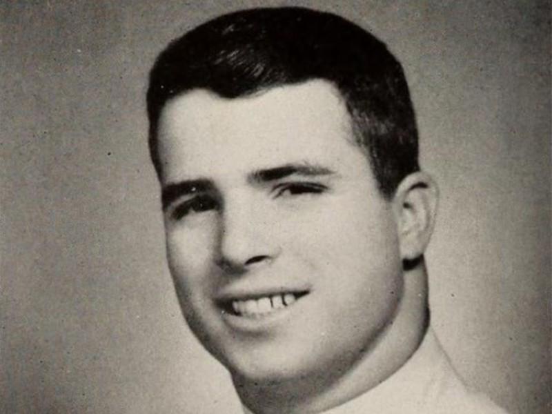 Ông McCain lúc còn trong hải quân Mỹ thời điểm năm 1958. Ảnh: US NAVAL