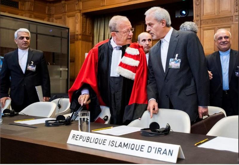Phía Iran tại phiên tòa Tòa án Công lý Quốc tế ở The Hague (Hà Lan) ngày 27-8. Ảnh: REUTERS