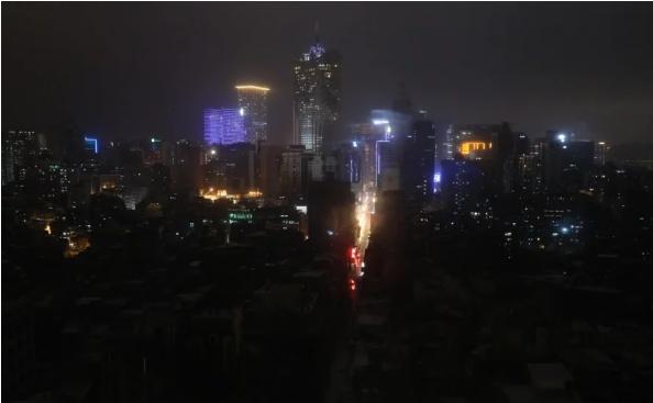 Điện bị cắt trên diện rộng ở Macau. Ảnh: SCMP