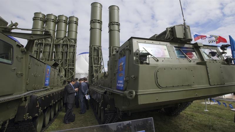 Mỹ và Israel phản đối mạnh chuyện Nga định chuyển giao S-300 cho Syria. Ảnh: ALJAEERA