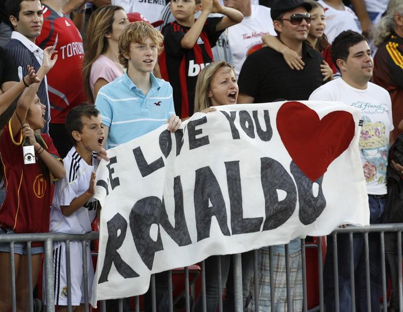 Ronaldo được chào đón ở Mỹ năm 2009, hai tháng sau khi xảy ra sự cố với cô Mayorga. Ảnh: REUTERS