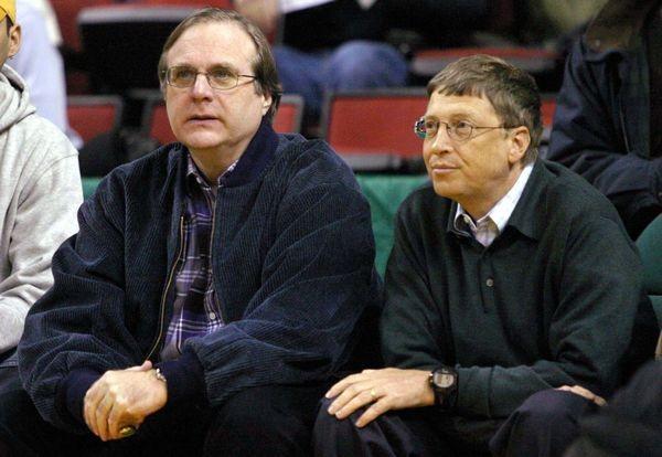 Ông Paul Allen (trái) rời Microsoft sau bất đồng với ông Bill Gates (phải). Ảnh: LA