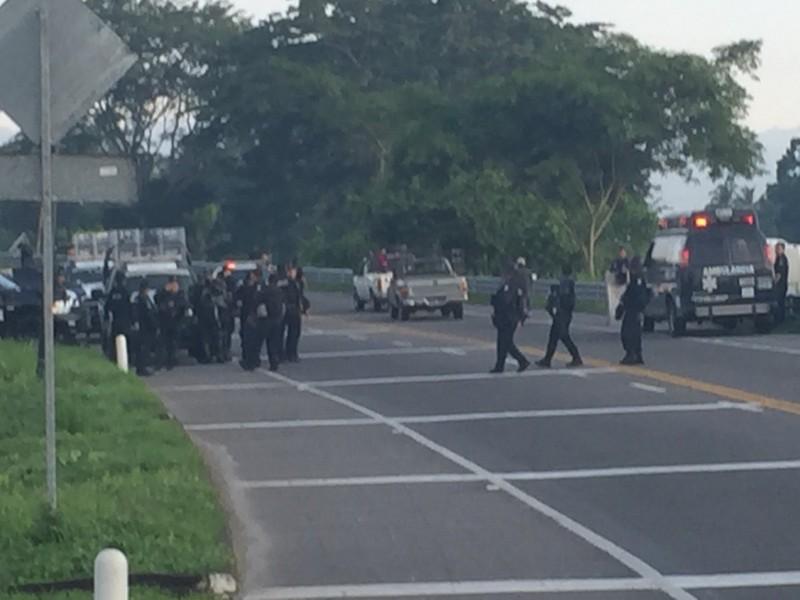 Mexico triển khai cảnh sát ngăn chặn dòng người nhập cư. Ảnh: TWITTER