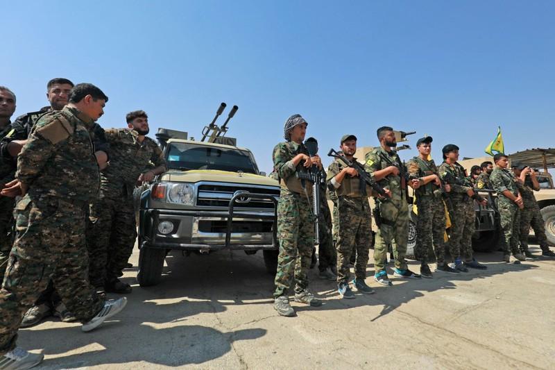 Tay súng người Kurd ở Syria có thể sẽ thay vai trò của Mỹ trong đánh IS ở Syria. Ảnh: GETTY IMAGES