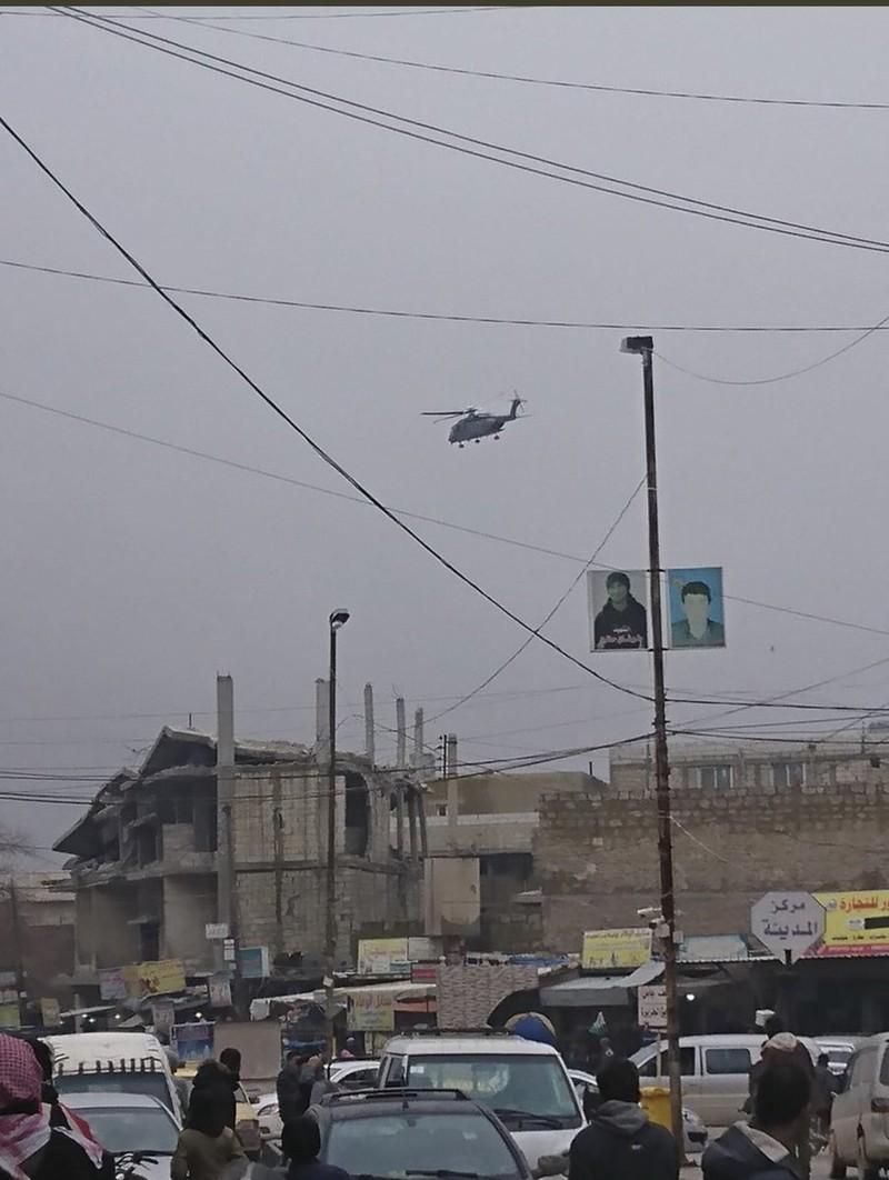 Các nhân chứng tại hiện trường chụp được hình ảnh một trực thăng quân đội Mỹ điều tới hiện trường. Ảnh: TWITTER