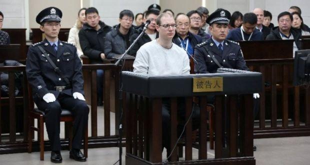 Công dân Canada Robert Lloyd Schellenberg (áo trắng) trong phiên xử phúc thẩm ngày 14-1 tại Trung Quốc. Ảnh: REUTERS
