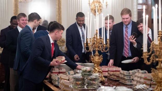 Ông Trump đãi khách đồ ăn nhanh vì bếp Nhà Trắng nghỉ làm  - ảnh 4