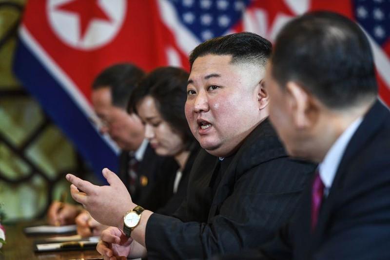 Lãnh đạo Triều Tiên Kim Jong-un trong cuộc gặp thượng đỉnh với Tổng thống Mỹ Donald Trump ngày 28-2. Ảnh: GT