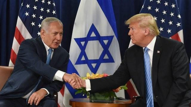 Tổng thống Mỹ Donald Trump (phải) và Thủ tướng Israel Benjamin Netanyahu. Ảnh: AP