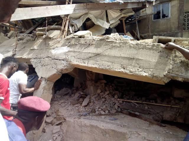 Sập trường học, hơn 100 học sinh tiểu học bị chôn vùi - ảnh 5