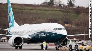 Hàng loạt máy bay Boeing 737 MAX 8 phải hạ cánh sau hai vụ tai nạn liên tiếp trong hơn 4 tháng. Ảnh: GETTY IMAGES