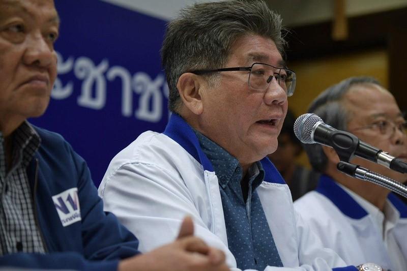 Tổng Thư ký đảng Pheu Thai Phumtham Wechayachai trao đổi với truyền thông sau ngày bầu cử 24-3 ở Bangkok (Thái Lan). Ảnh: ST