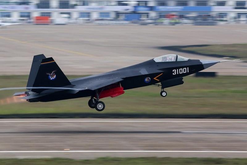 Tiêm kích phản lực thế hệ thứ năm J-31 của Trung Quốc. Ảnh: WIKIPEDIA