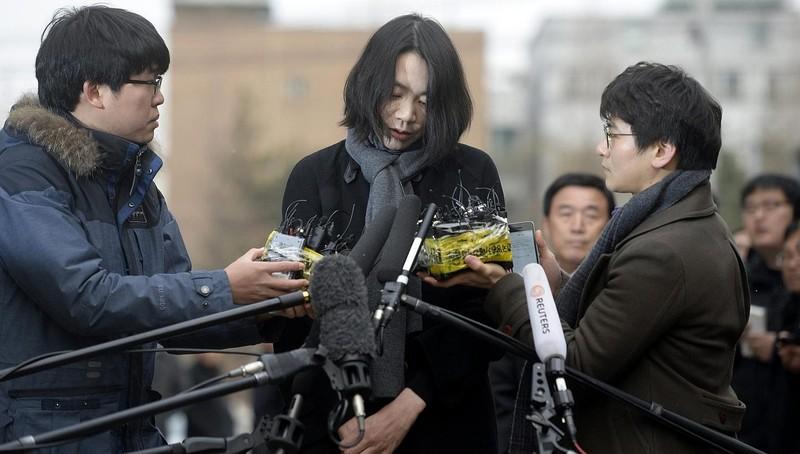 Cô con gái lớn Cho Hyun-ah phải ngồi tù vì có hành vi bạo lực và xúc phạm người khác. Ảnh: STRAIT TIMES