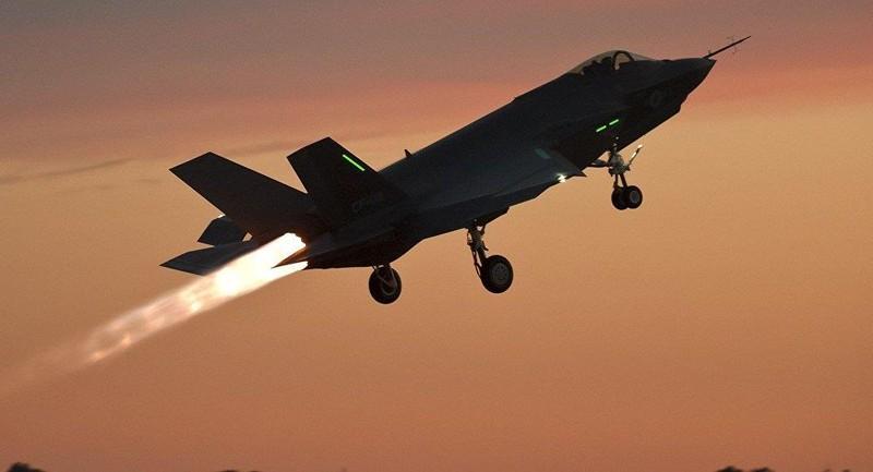 Nhật vừa chỉ đạo hạ cánh toàn bộ 13 chiếc F-35 sau khi một chiếc F-35A mất tích khi đang bay huấn luyện. Ảnh: SPUTNIK