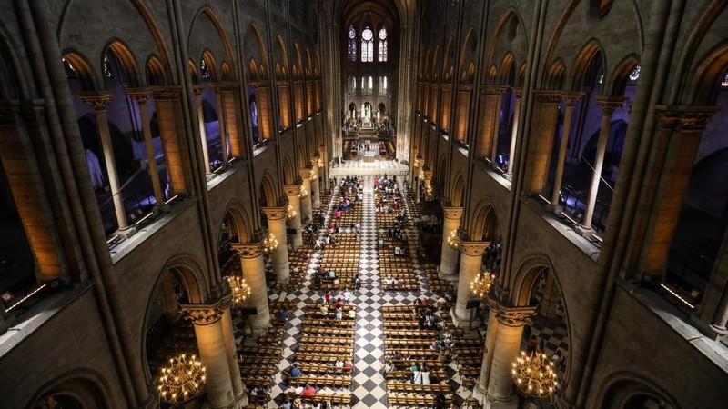Nhà thờ Đức Bà: Kiến trúc gỗ 900 năm bị thiêu rụi - ảnh 2