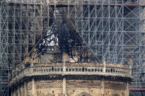 Hình ảnh nhà thờ hư hại nặng, ông Macron hứa sửa trong 5 năm - ảnh 5