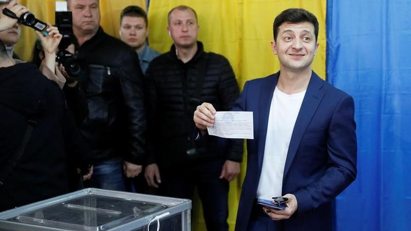 Ông Zelenskiy vượt xa ông Poroshenko thành tổng thống Ukraine - ảnh 2