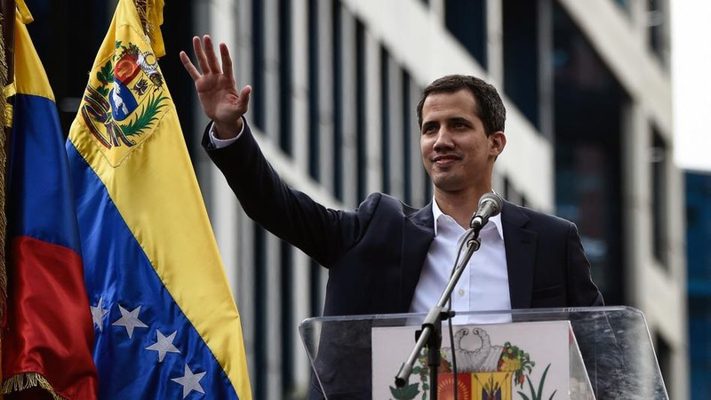 Tiền Mỹ chi cho ông Guaido không phải là tiền của Mỹ mà là từ tài sản của Venezuela. Ảnh: GETTY IMAGES