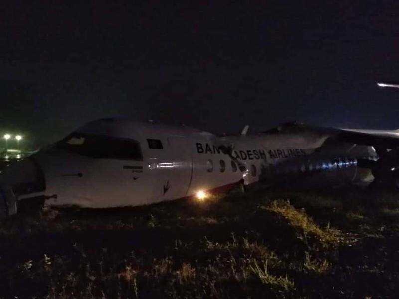Máy bay chở khách trượt đường băng, nứt gãy thân ở Myanmar - ảnh 1