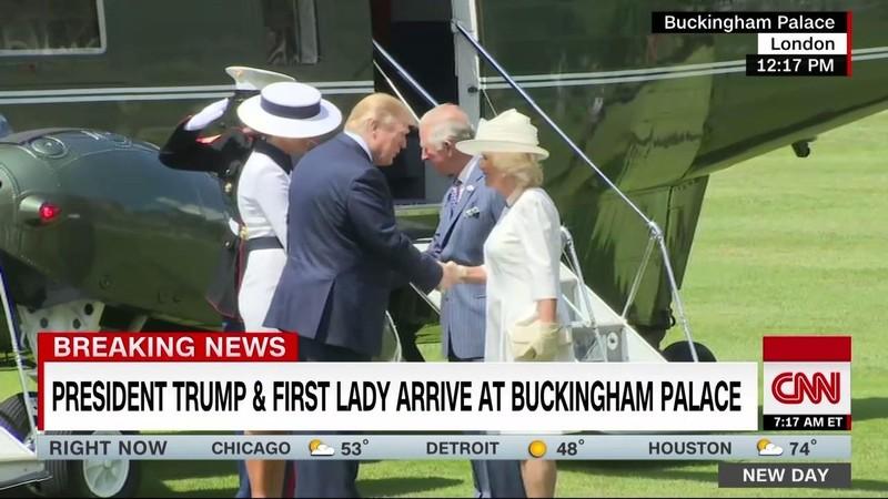 Hình ảnh vợ chồng Tổng thống Trump gặp Hoàng gia Anh - ảnh 1