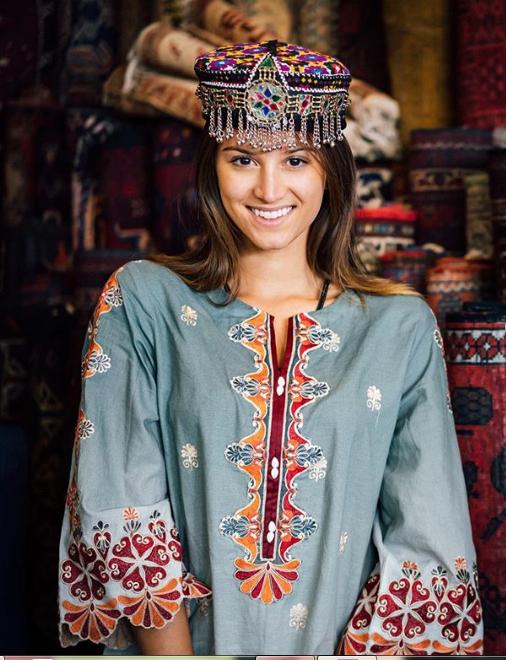 Cô gái trẻ Lexie Alford tại Pakistan. Ảnh: INSTAGRAM