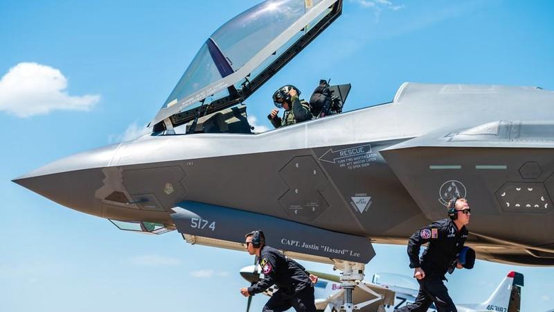 Tiêm kích tàng hình đa năng F-35 Lightning II tại căn cứ không quân Barksdale ở bang  Louisiana (Mỹ) ngày 17-5-2019. Ảnh: U.S. AIR FORCE
