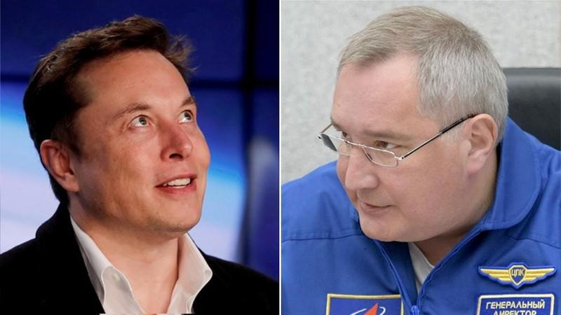 Tỉ phú Elon Musk – người sáng lập tập đoàn Công nghệ Khai phá Không gian SpaceX (trái) và Tổng Giám đốc Dmitry Rogozin của Cơ quan Vũ trụ liên bang Nga Roscomos (phải). Ảnh: REUTERS