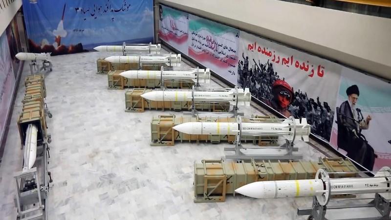 Tên lửa tầm xa Sayyad-3 của Iran - loại tên lửa được trang bị cho hệ thống phòng không Khordad 15. Ảnh: RT