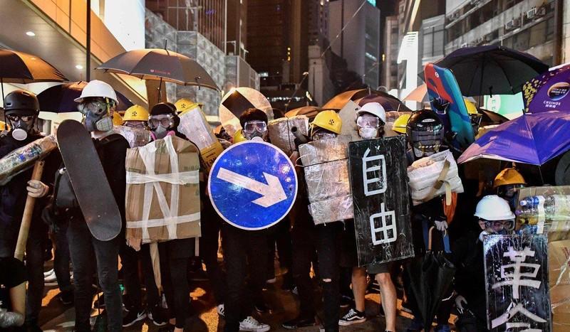 Tuần rồi bà Lâm có sự đánh giá lại cuộc biểu tình tại Hong Kong, cho rằng đó là một sự đe dọa với chủ quyền của Trung Quốc. Ảnh: AFP