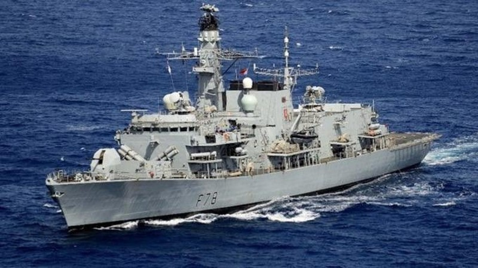 Tàu chiến HMS Kent vừa được Anh triển khai đến vịnh Ba Tư nhằm tham gia thực hiện Chiến dịch An ninh Hàng hải do Mỹ dẫn đầu ở khu vực. Ảnh: ITV NEWS