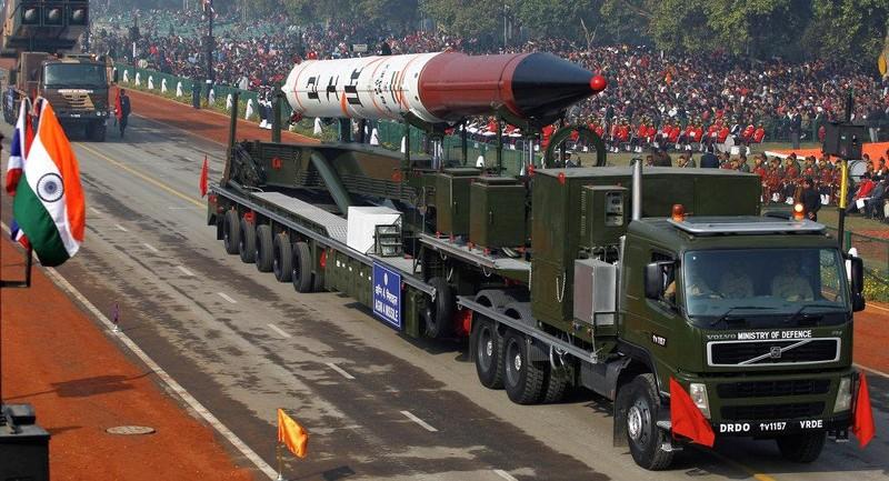Thủ tướng Pakistan lo lắng về kho vũ khí hạt nhân Ấn Độ - ảnh 1
