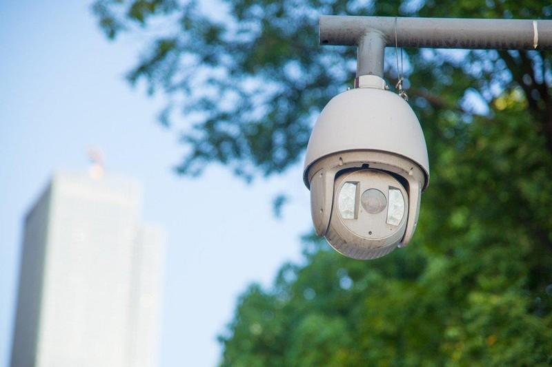 Một trong gần 2,6 triệu máy quay giám sát được đặt ở TP Trùng Khánh (Trung Quốc). Ảnh: SHUTTER STOCK