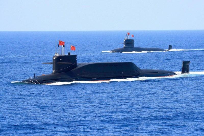 Tàu ngầm hạt nhân lớp 094A Jin trang bị tên lửa đạn đạo của Trung Quốc tham gia một cuộc triển lãm quân sự tháng 4-2018. Ảnh: REUTERS
