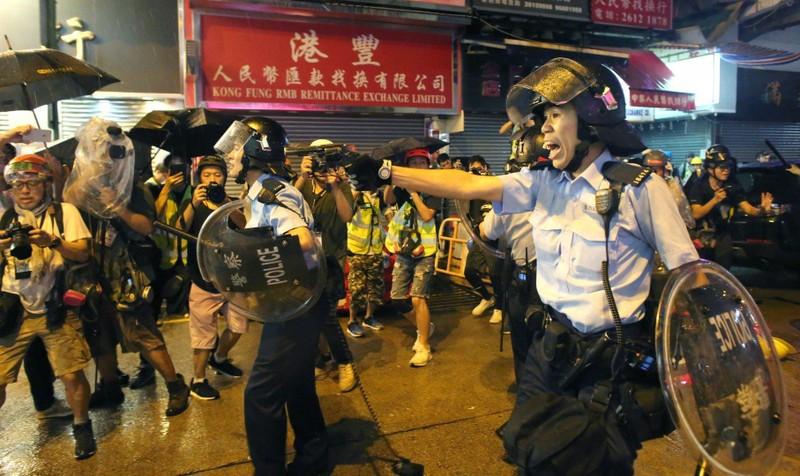 Giải pháp hạ nhiệt Hong Kong trước Quốc khánh Trung Quốc - ảnh 1