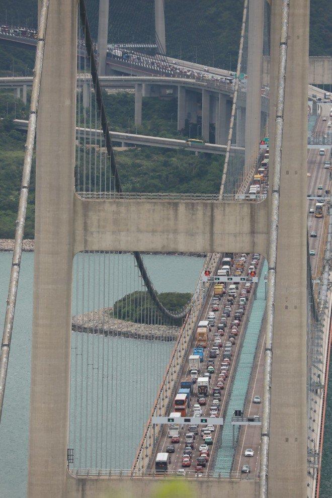 Giao thông Hong Kong tê liệt trong ngày biểu tình 1-9. Ảnh: SCMP