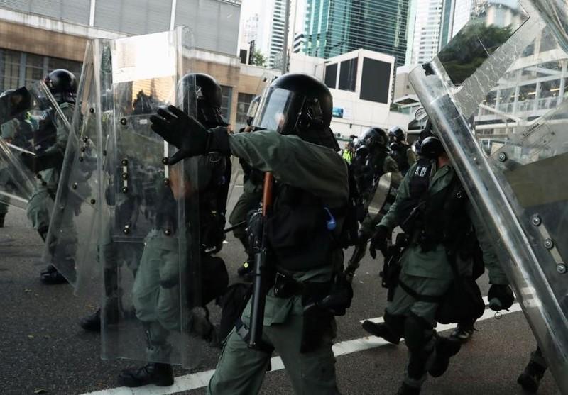 Người biểu tình Hong Kong xung đột người ủng hộ Trung Quốc - ảnh 14