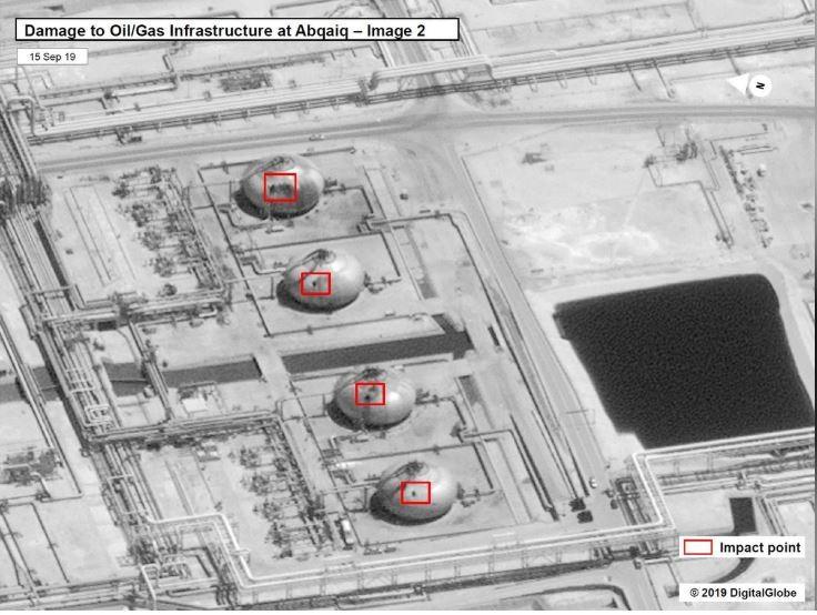 Hình ảnh vệ tinh do chính phủ Mỹ công bố ngày 15-9 chụp hạ tầng nhà máy lọc dầu Abqaiq của Saudi Arabia bị hư hại sau vụ tấn công ngày 14-9. Ảnh: REUTERS