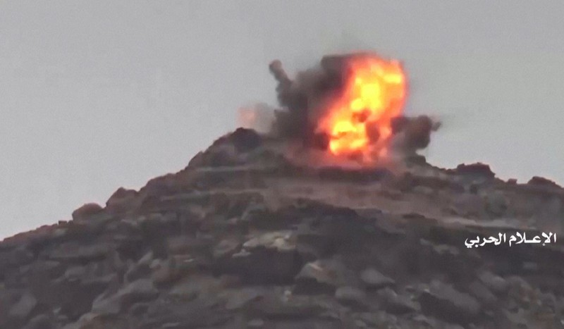 Một vụ nổ mà Houthis thuyết minh là một vụ tấn công của Houthis vào địa điểm của Saudi Arabia gần vùng Najran của Saudi Arabia, giáp biên giới với Yemen. Ảnh: REUTERS